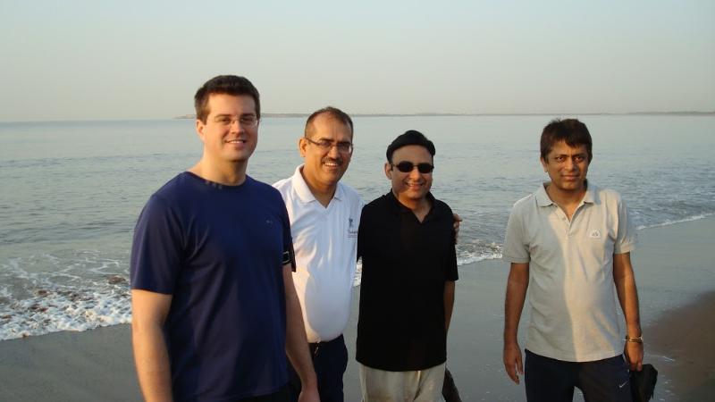 friends_at_mahuva_beach